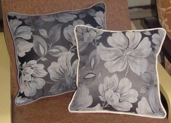 Декоративни Възглавници на цветя